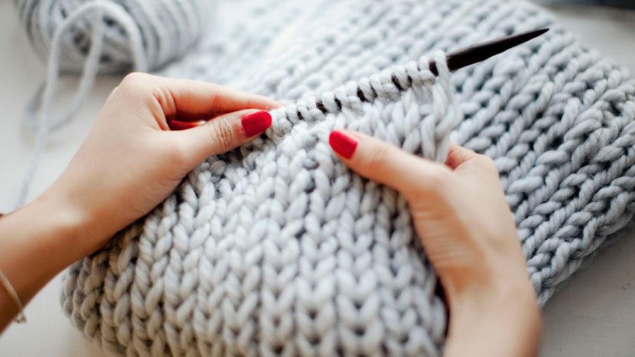 C mo tejer un cuello de lana bien calentito minibu - Como hacer punto de lana para principiantes ...