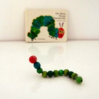 The Very Hungry Caterpillar /La oruga hambrienta
