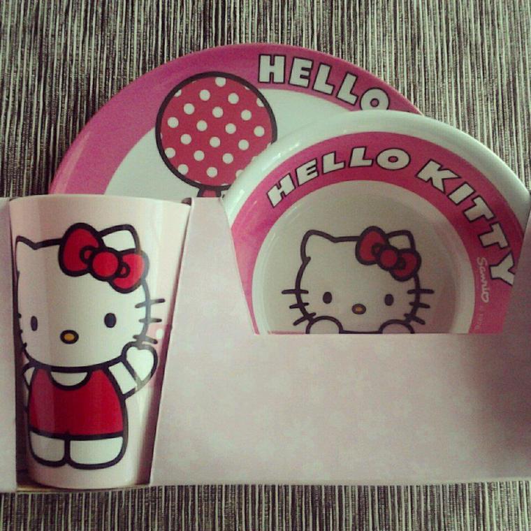 vajilla Hello Kitty
